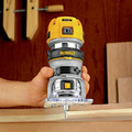 Dewalt DWP611 1-1/4 HP Variable Speed Premium Compact Router with LED image number 8