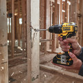 Dewalt DCD709C2 ATOMIC 20V MAX Lithium-Ion Brushless Compact 1/2 in. Cordless Hammer Drill Kit image number 4