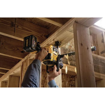 Dewalt DCD460T2 FlexVolt 60V MAX Lithium-Ion Variable Speed 1/2 in. Cordless Stud and Joist Drill Kit with (2) 6 Ah Batteries image number 3