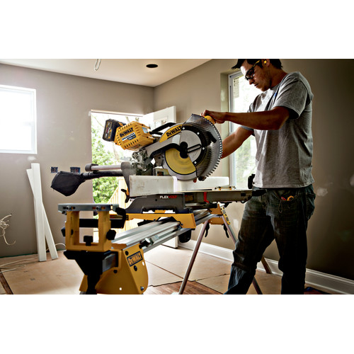 Factory Reconditioned Dewalt DHS790AT2R MAX FlexVolt Cordless Lithium-Ion 12 in. Dual Bevel Sliding Compound Miter Saw Kit with Batteries and Adapter image number 2