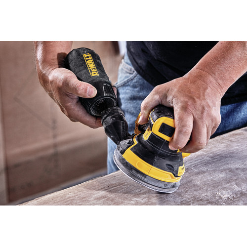 Dewalt DCW210P1 20V MAX XR 5 in. Cordless Random Orbital Sander Kit with 5.0 Ah Battery image number 4