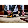 Dewalt DCW200D1 20V MAX XR Lithium-Ion Variable Speed 1/4 in. Sheet Cordless Sander Kit (2 Ah) image number 4