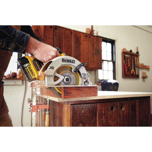 Factory Reconditioned Dewalt DCS570BR 20V MAX 7-1/4 in. CORDLESS CIRCULAR SAW –  TOOL ONLY image number 3