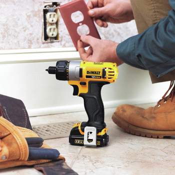 Factory Reconditioned Dewalt DCF610S2R 12V MAX Cordless Lithium-Ion 1/4 in. Hex Chuck Screwdriver Kit image number 8