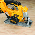Dewalt DC390-2 18V XRP Cordless 6-1/2 in. Circular Saw with 2 Batteries image number 7