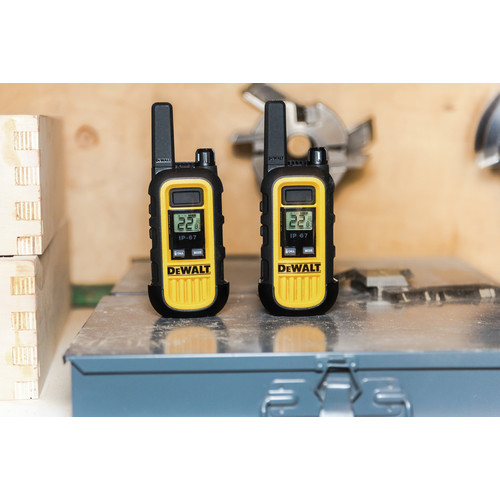 Dewalt DXFRS300 1 Watt Heavy Duty Walkie Talkies (Pair) image number 16