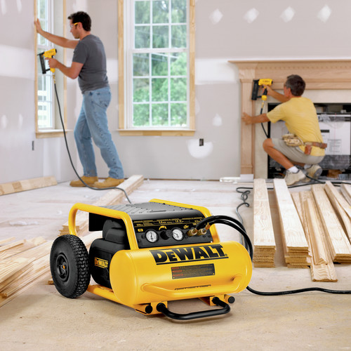 Dewalt D55146 1.6 HP 4.5 Gallon Oil-Free Wheeled Portable Air Compressor image number 9