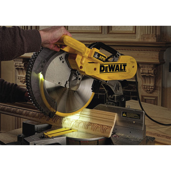 Dewalt DW716XPS 12 in.  Double Bevel Compound Miter Saw with XPS Light image number 2
