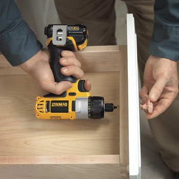 Dewalt DCF610S2 12V MAX Cordless Lithium-Ion 1/4 in. Hex Chuck Screwdriver Kit image number 4