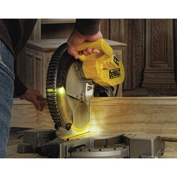 Dewalt DW716XPS 12 in.  Double Bevel Compound Miter Saw with XPS Light image number 3