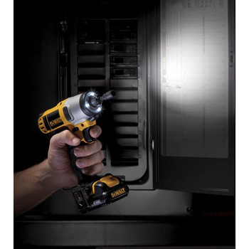 Dewalt DCF815S2 12V MAX Cordless Lithium-Ion 1/4 in. Impact Driver Kit image number 7