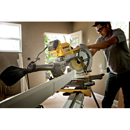 Factory Reconditioned Dewalt DHS790AT2R MAX FlexVolt Cordless Lithium-Ion 12 in. Dual Bevel Sliding Compound Miter Saw Kit with Batteries and Adapter image number 4