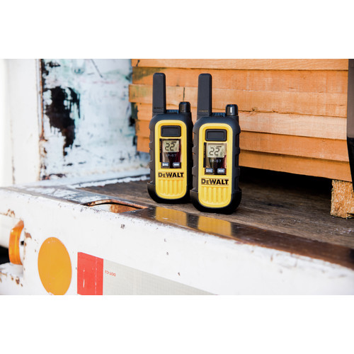 Dewalt DXFRS300 1 Watt Heavy Duty Walkie Talkies (Pair) image number 11