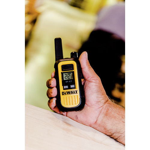 Dewalt DXFRS300 1 Watt Heavy Duty Walkie Talkies (Pair) image number 18