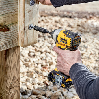 Dewalt DCF809C2 ATOMIC 20V MAX 1/4 in. Brushless Compact Impact Driver Kit with (2) Li-Ion Batt image number 3