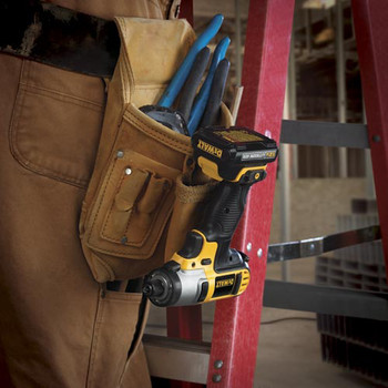 Dewalt DCF815S2 12V MAX Cordless Lithium-Ion 1/4 in. Impact Driver Kit image number 6