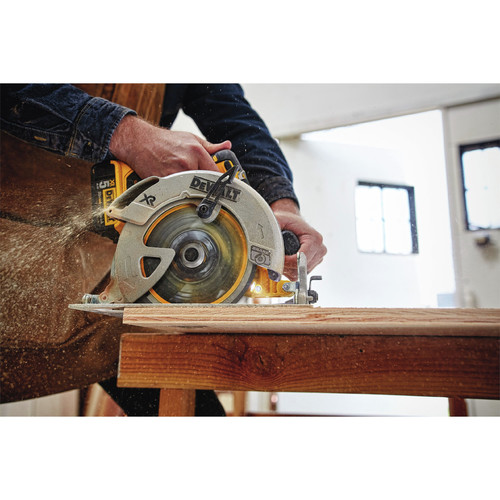 Factory Reconditioned Dewalt DCS570BR 20V MAX 7-1/4 in. CORDLESS CIRCULAR SAW –  TOOL ONLY image number 2