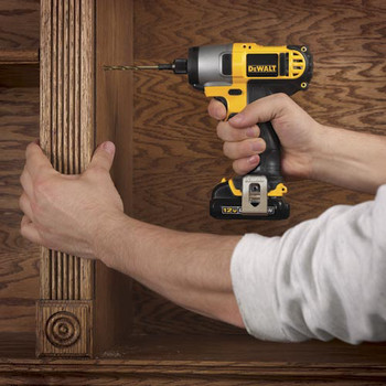 Dewalt DCF815S2 12V MAX Cordless Lithium-Ion 1/4 in. Impact Driver Kit image number 5