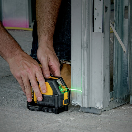 Dewalt DW088LG 12V Self-Leveling Green Cross Line Laser image number 1