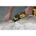 Dewalt DCS354B ATOMIC 20V MAX Brushless Oscillating Multi-Tool (Tool Only) image number 3