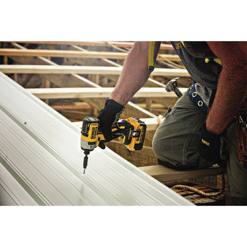 Dewalt DCF887D2 20V MAX XR 2.0 Ah Cordless Lithium-Ion 1/4 in. Brushless Impact Driver Kit image number 5